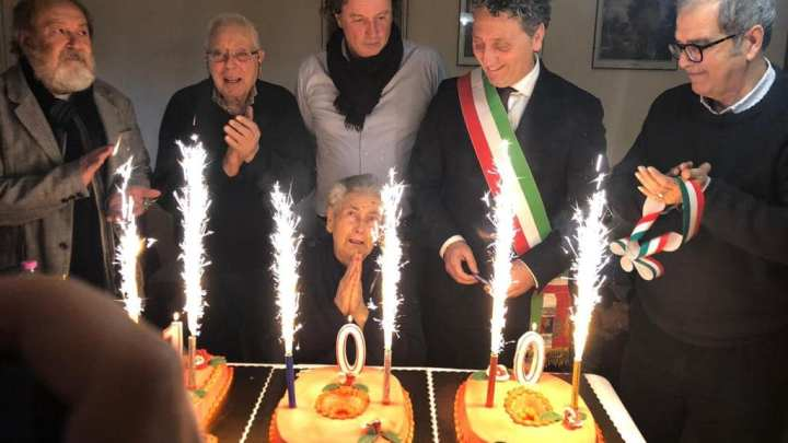 """Maenza, nonna Iva fa cento anni e per """"candeline"""" 5 sindaci"""
