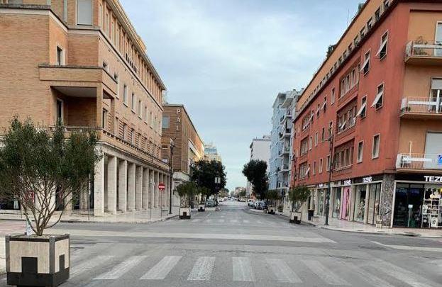 Latina, l'album fotografico della città vuota al tempo del covid 19