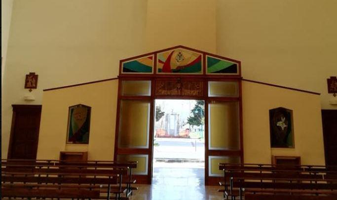 Covid 19/ I lumini accesi di Don Luigi a Borgo Faiti e il rosario su facebook