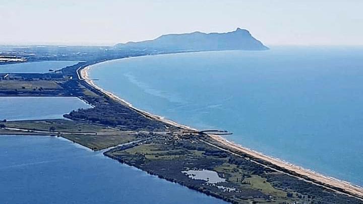 """Il web """"dirotta"""" Fogliano a Sabaudia, Latina senza laghi. De Monaco insorge"""