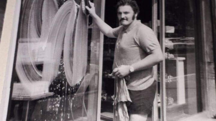 Gianni Merlo, l'uomo con i baffi che puliva i vetri nella Latina che sperava