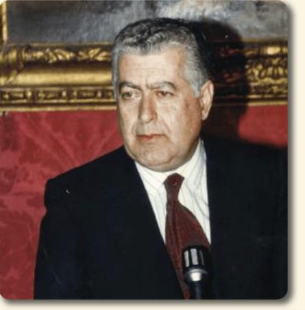 Antonio Signore saluta il compagno Paolo Pannone, saluti della comunità socialista