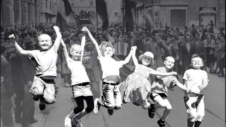 """Il 25 aprile """"scoperto"""" in una festa di bambine e quelli che con le scarpe rotte conquistarono la primavera"""