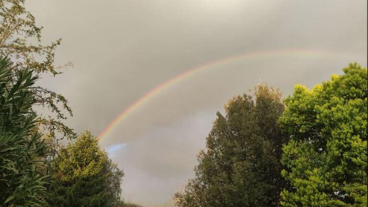 Non sarà una notizia ma è uscito l'arcobaleno di Pasqua