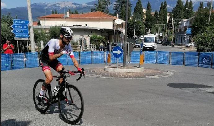Cristian Nardecchia non sale in bicicletta fa salire la bici sull'Everest, oggi la sfida