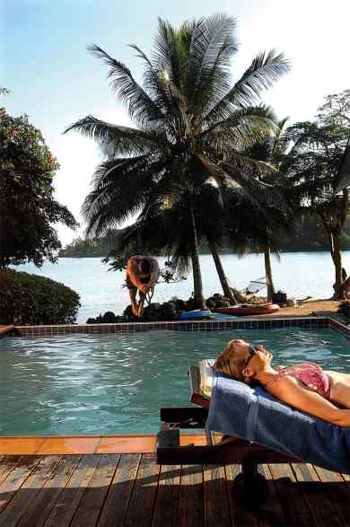 Fatumaru activities - Guest enjoying the pool