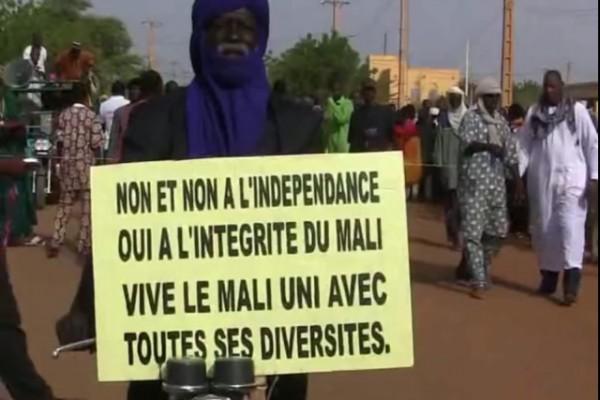 Manifestation-marche-Gao-contre-independance-autonomie-azawad