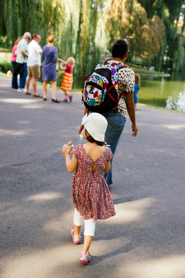 Girls following her mother at the Public Garden.