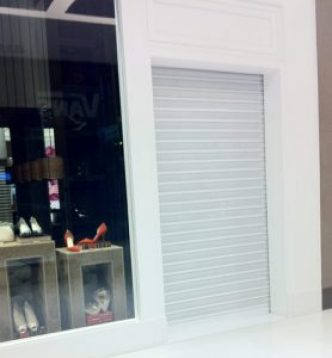 Favaretto-Portas-portas-de-enrolar-de-aco-automaticas-25 - Porta de Enrolar Residencial