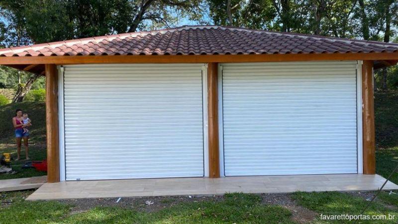 porta-de-enrolar-automatica-portao-de-rolo-favaretto-portas-027