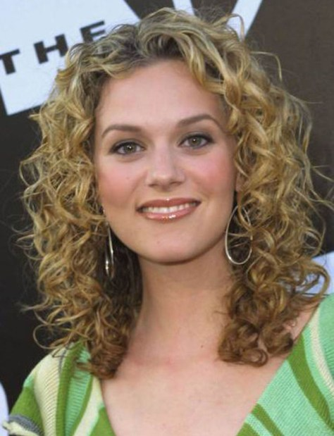 Curly Hair Styles Sweet and Cute