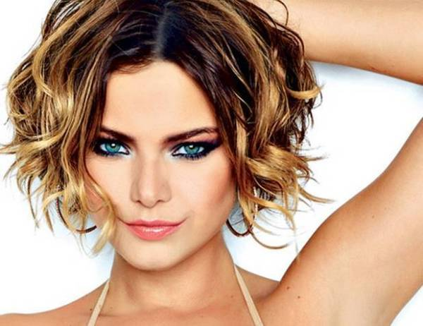 30 Cute Short Curly Hairstyles For Thin Hair Hairstyles Ideas