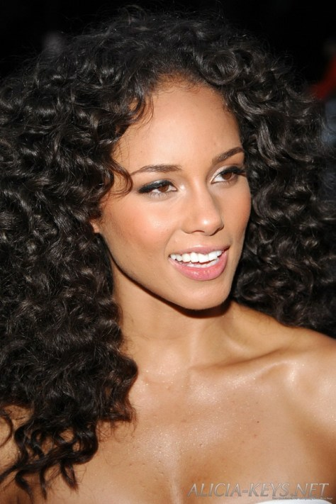 Great Long Curly Hairstyles For Women 2015