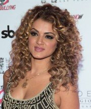 layered curly hairstyles womens