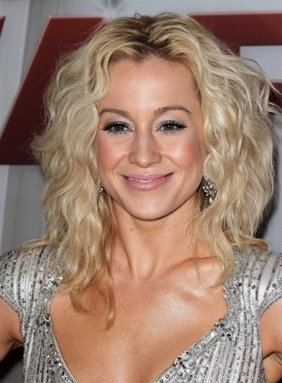 11/09/2011 - Kellie Pickler - 45th Annual CMA Awards - Arrivals - Bridgestone Arena - Nashville, TN, USA - Keywords: Orientation: Portrait Face Count: 1 - False - Photo Credit: Andrew Evans / PR Photos - Contact (1-866-551-7827) - Portrait Face Count: 1