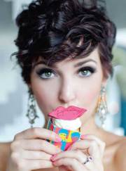 cute curly pixie hairstyles