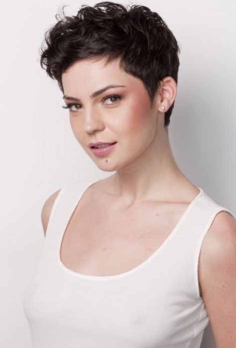 Simple-Short-Hairstyles-Cute-Curly-Pixie-for-Women