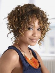 short curly hairstyles - sultry