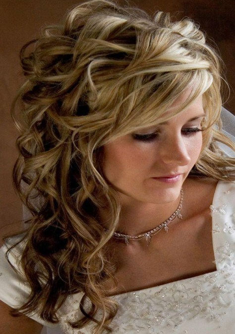 curly hairstyles for prom with braid