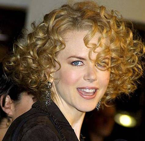 short hairstyles for fine curly hair women..