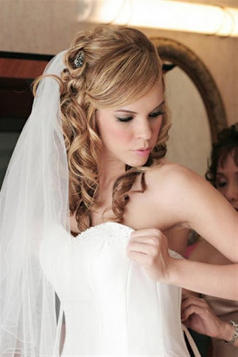 Wedding Hairstyles To The Side Curly