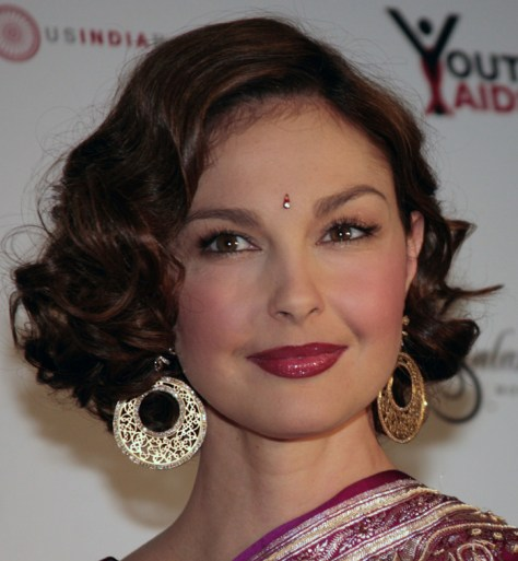 MCLEAN, VIRGINIA - NOVEMBER 2: Ashley Judd arrives at the YouthAIDS Benefit Gala, on November 2, 2007 at the Ritz Carlton in Mclean, Virginia. (Photo by Nancy Ostertag/Getty Images)