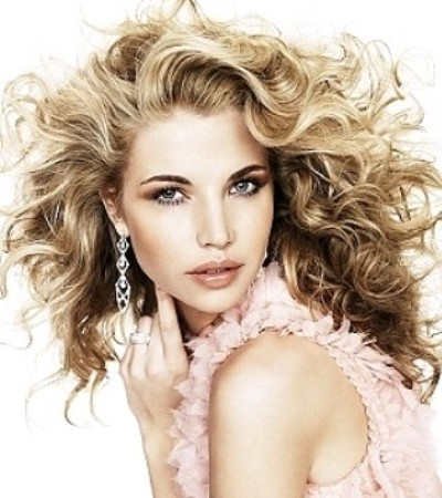 Curly-Hairstyles-Trends