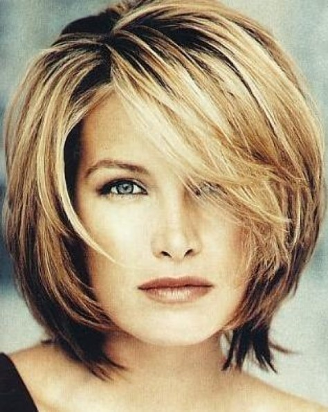 Trendy-Medium-Haircuts-For-Women