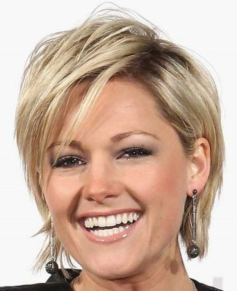 short hairstyles thick hair 2016