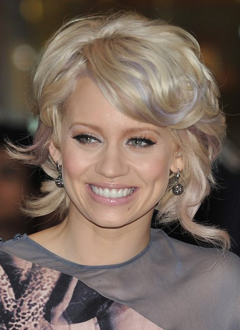 Kimberley-Wyatt-Short-Hairstyle-With-Bouncy-Curls