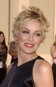 short shaggy hairstyles women