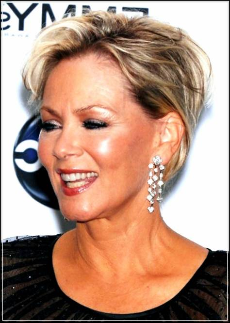 short-hairstyles-for-women-over-50_