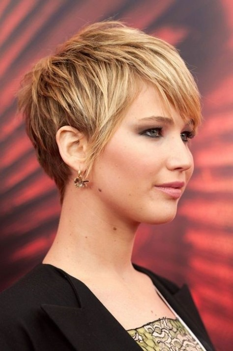 Cute Short Layered Haircut for Thick Hair