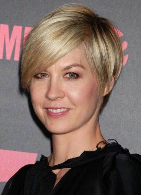 Sleek Short Hairstyle for Straight Fine Thin Hair