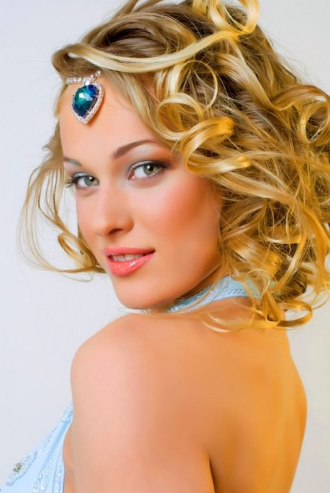 Superb Short Hairstyles For Prom