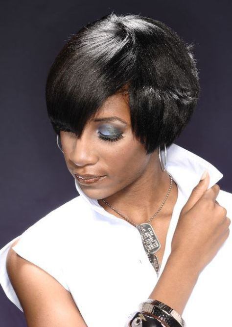 classy short hairstyle for African American women