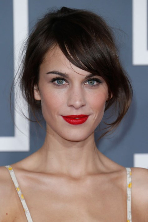 Celebrities with Oval Faces Hairstyles