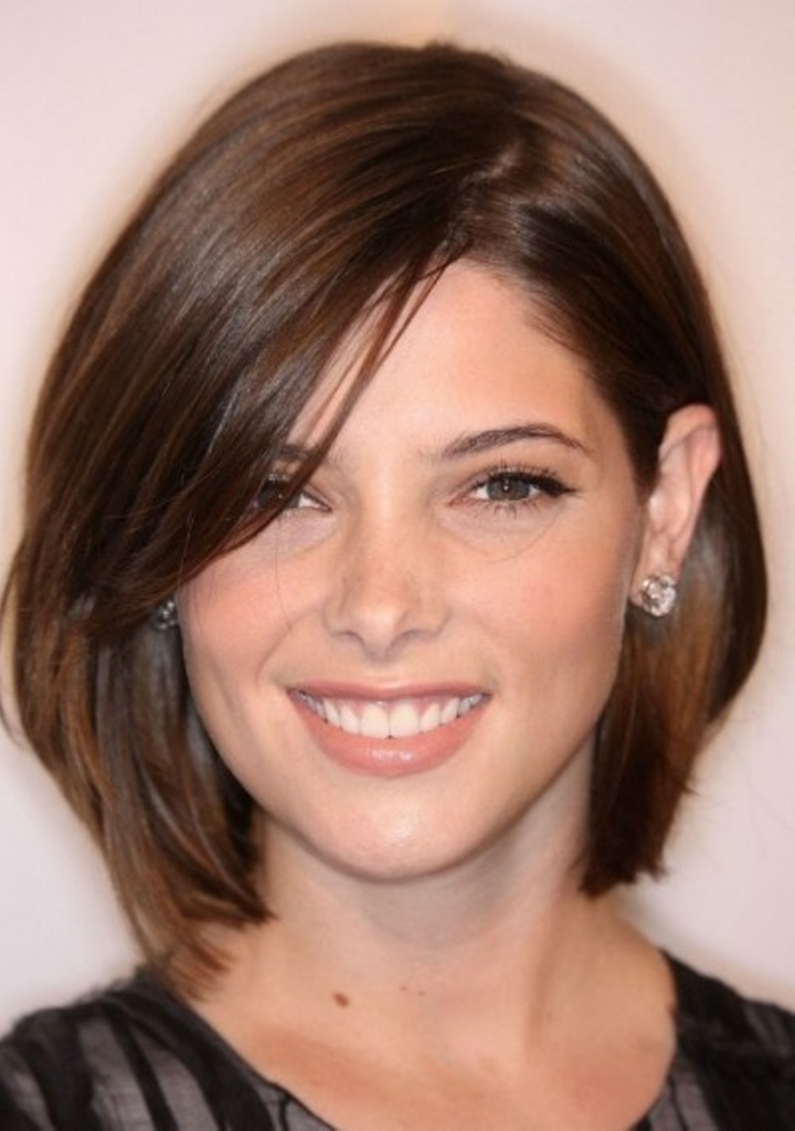 50 Most Flattering Hairstyles for Round Faces  Fave HairStyles