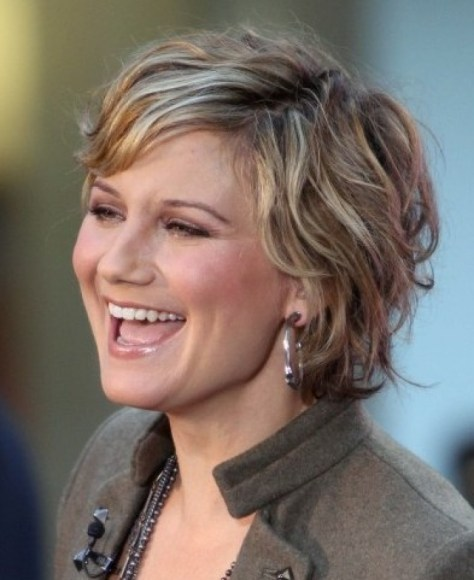 Short Layered Hairstyles pictures
