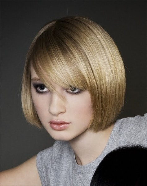 Teen Girls Short Hairstyles with Bangs