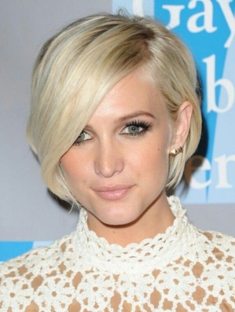 Ashlee Simpson Short Haircut