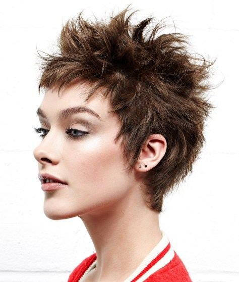 Easy to style short hairstyle with soft spikes.