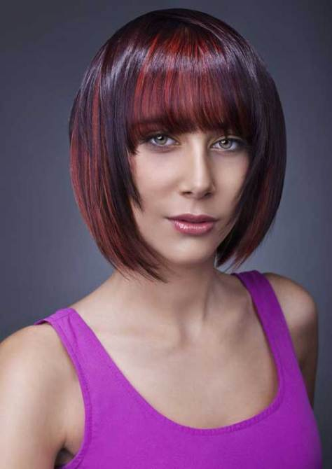 Streaked bob hairstyle, lightweight and easy to maintain.