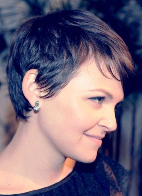 Short haircut with a cutting line exposing the ear and a graduated nap.