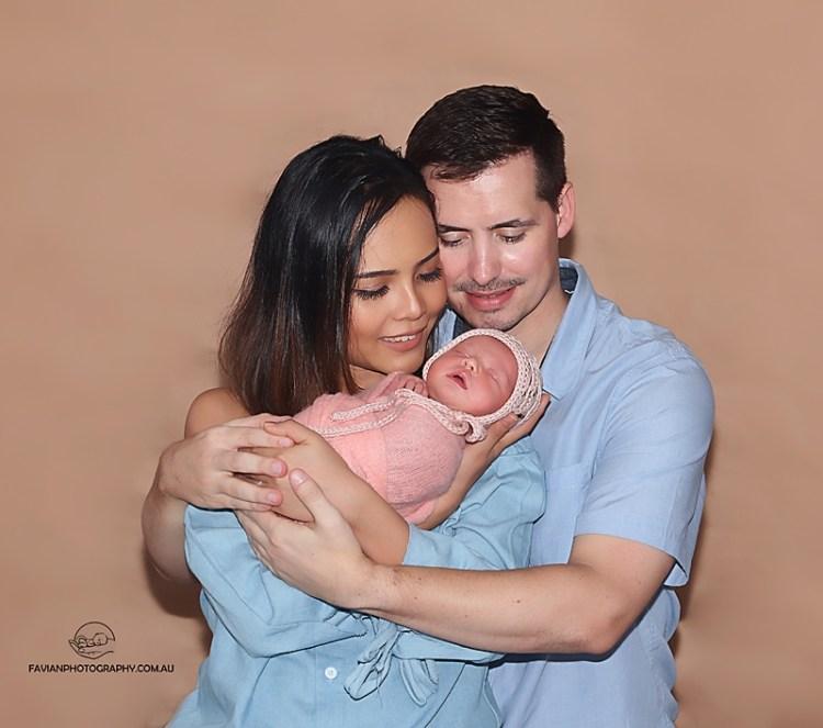 Newborn and family photo Brisbane