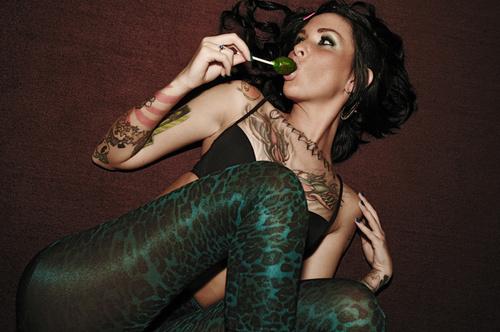 https://i0.wp.com/favim.com/orig/201105/23/cute-girl-hot-photography-pretty-tattoo-Favim.com-54361.jpg