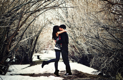 https://i0.wp.com/favim.com/orig/201108/12/boy-and-girl-cute-kiss-love-snow-Favim.com-121514.jpg