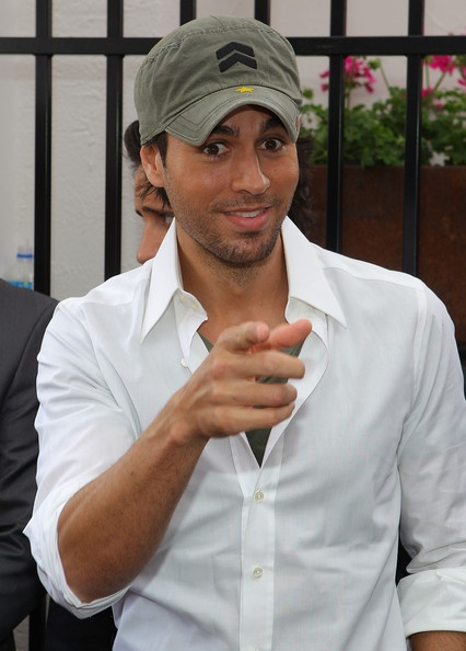 enrique iglesias celebrity singer artist music. Black Bedroom Furniture Sets. Home Design Ideas