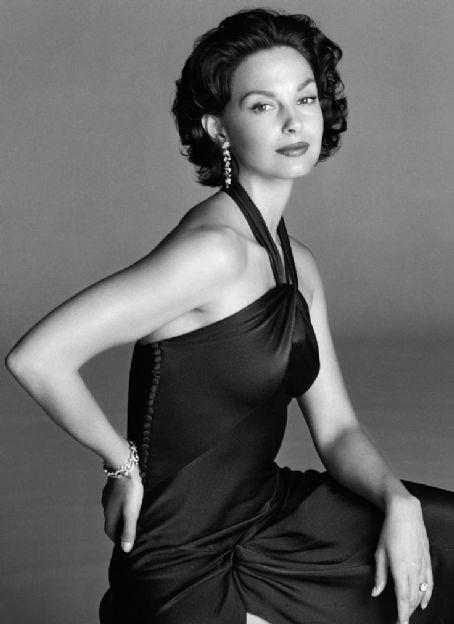 ashley judd celebrity actress woman black dress  Fav