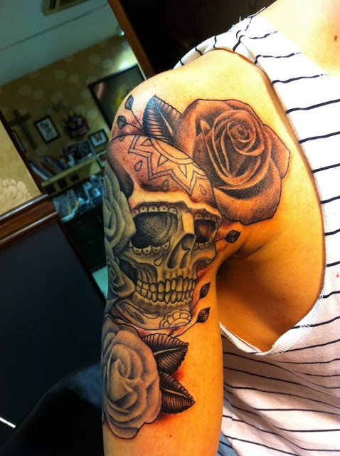 20 Awesome Sugar Skull Tattoos Shoulder Ideas And Designs